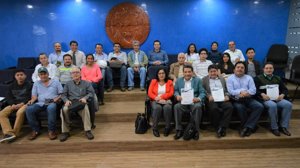 Participantes y conferenciastas